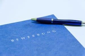 Musterbewerbungen geben Anregungen für Formulierungen und Bewerbungstaktiken.